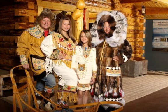 morris-thompson-cultural-and-visitors-center-take-family-photo
