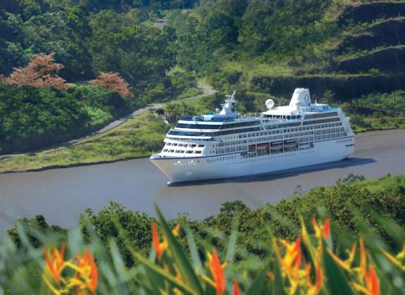 rClass-Regatta-Panama-Canal
