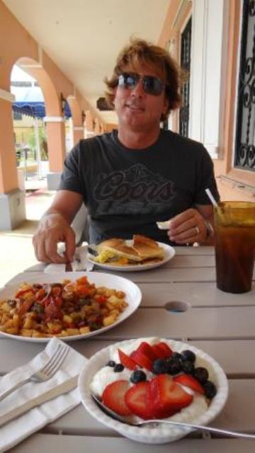 avocado-pitt-food-09152014