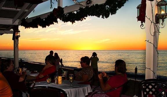 beach-side-cafe-09152014