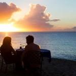 beach-side-cafe-couple-09152014