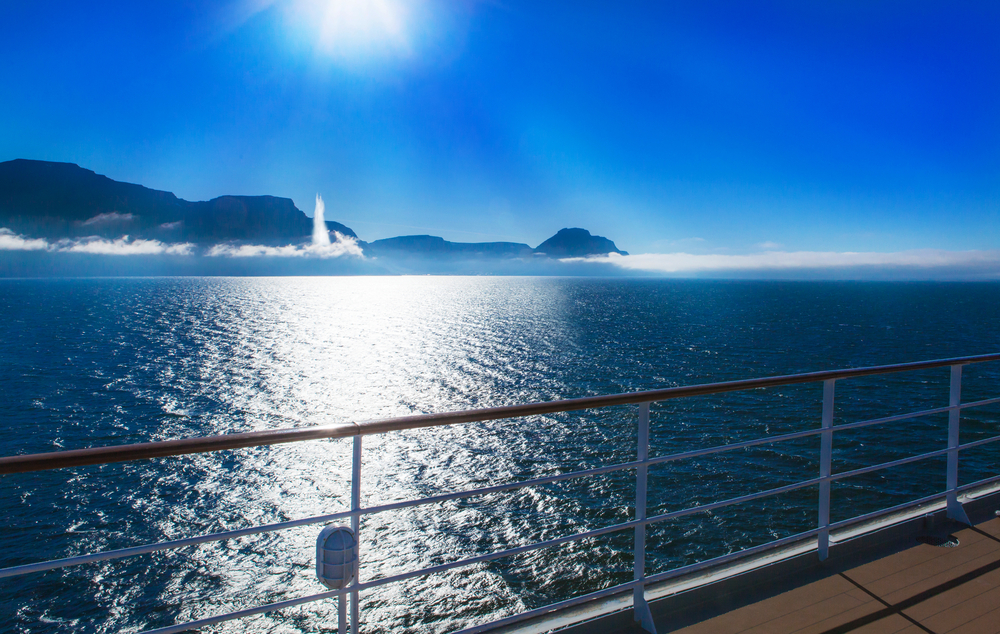 Cruises that stop in Iceland