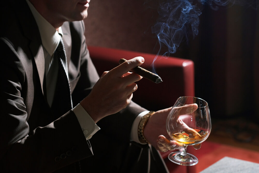 cruise ship cigar lounges
