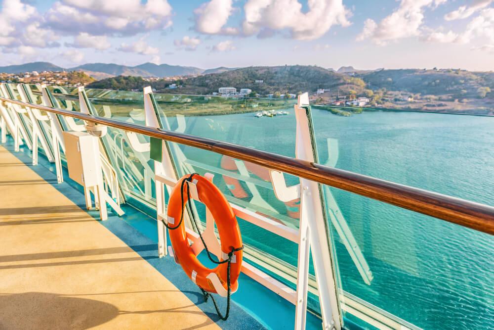 can you smoke on a cruise ship