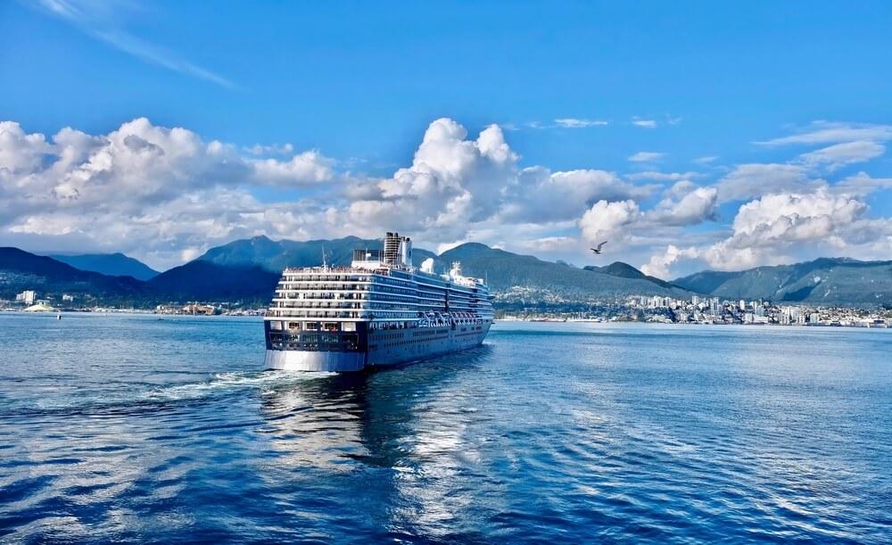 cruises to canada